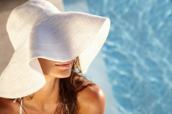 Natural skin care tips by avoiding the sun