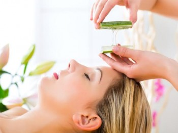 For natural skincre use aloe vera daily