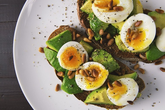 healthy foods avocado and eggs