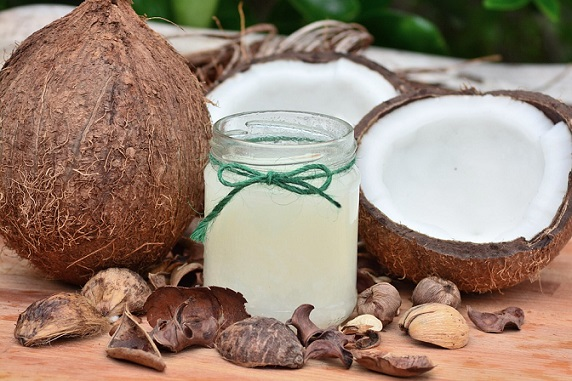 Coconut oil Pulling - Home remedy for whitening teeth