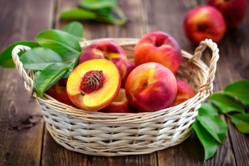 Organic fruit - Nectarines
