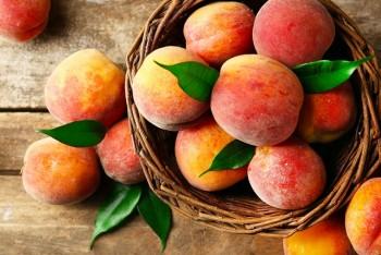 Organic fruit - Peaches