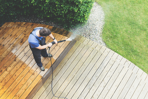 washing deck with power washer & Which Pressure Washer to Clean Patio?
