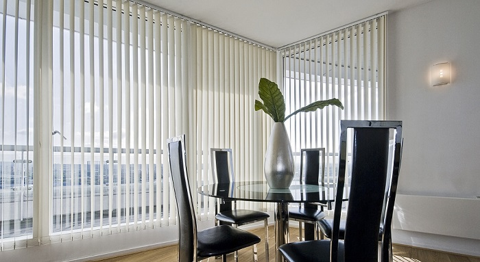natural light and blinds
